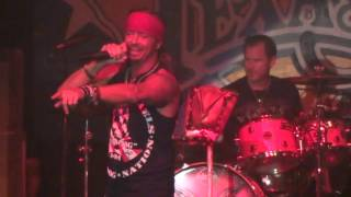 Bret Michaels - Ride The Wind snippit 2015-09-18 Billy Bobs Texas