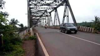 A ponte é uma passagem para a outra margem