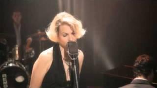 Karen Souza - Do You Really Want To Hurt Me (Live)