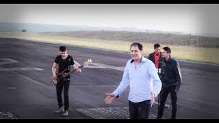 "Banda Cosmo Express   Clipe Oficial   Música ""Linda"""