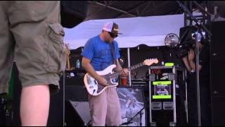"""Slightly Stoopid & Don Carlos - """"Never Gonna Give You Up"""" (live)"""