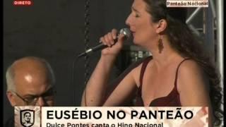 Dulce Pontes interpreta o Hino Nacional