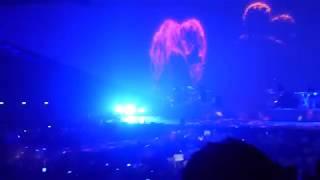 HD Ariana Grande - THINKING ABOUT YOU [PARIS] Dangerous Woman Tour - JUNE 2017