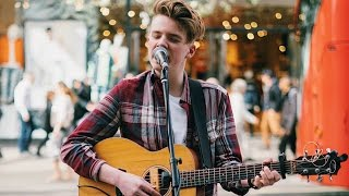 The Chainsmoker Mashup - Busking on the streets of london ( Live Cover ) Tim Newman 😀