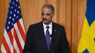Eric Holder: Let ex-cons vote