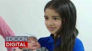 Una niña hispana de 11 años cuenta cómo ayudó a su madre en el parto de su hermano
