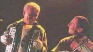 Čechomor a Jarek Nohavica - Mladičká básnířka