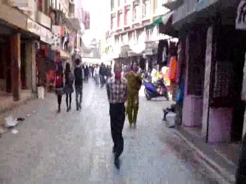 2 minutos caminando por Kathmandu – Nepal – Walking Kathmandu