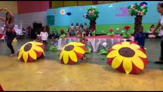 """Apresentação """"Girassol Xuxa"""" Creche Pingo de Gente"""