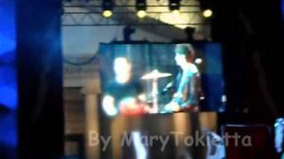 """Sonohra- Good Luck My Friend """"Diego: Scusate non si sente una mazza"""" (Coca Cola Live 2010)"""