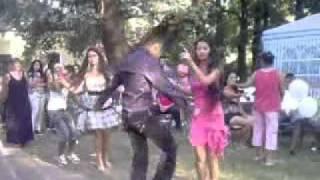 Krisztofer táncol