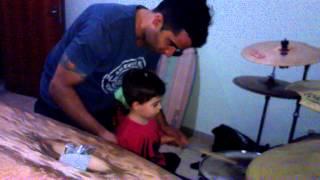 Igor Lopes tocando bateria 3 Anos