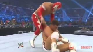 WWE:Sin Cara saves Rey Mysterio from Cody Rhodes
