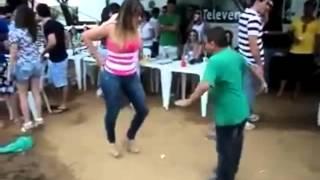 Baixinho dançador de Forró 2015 , musica Garota Safada desce piriguete