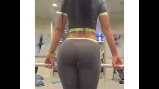 Fitness girl train her back - HOT ASS