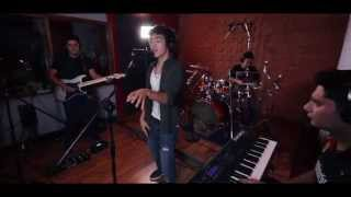 Pharrell - Happy (Live Session) - Cover por Saak