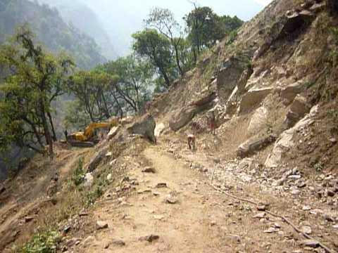 Roadworks on the Annapurna Trail