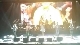 Demet Akalın - Çalkala (Moi Sahne) (26.04.2017)