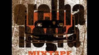 Orelha Negra - M.I.R.I.A.M. - Conductor Remix feat. Tamin (Orelha Negra Mixtape)