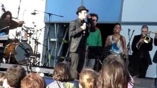 Ala dos Namorados - Loucos de Lisboa (live @ Rock In Rio)