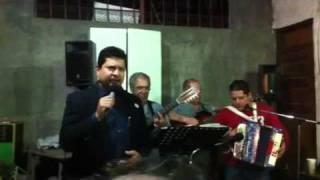 """Miguel Flores canta """"Te perdono"""""""