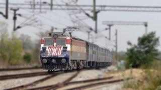 TIGERFACE WAG 7 leads SAMBALPUR SUVIDHA EXPRESS - Indian Railways width=