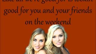 Girl In A Country Song - Maddie and Tae +Lyrics on Screen
