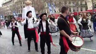 Parade du Nouvel An 2016 sur les Champs-Elysées avec le Portugal
