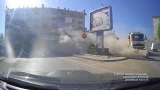 Почистване на главния път в Луковит 04-23-2018