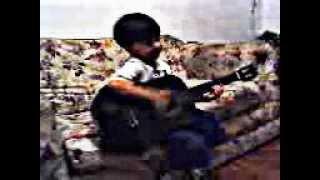 Pedro com 6 anos tocando violão: Louvor Igreja Cristã Maranata