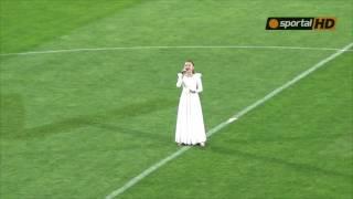 Крисия изпълни химна на шампионите преди мача с ЦСКА-София