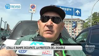 TG TREVISO (08/05/2018) - STALLI E RAMPE OCCUPATE, LA PROTESTA DEL DISABILE