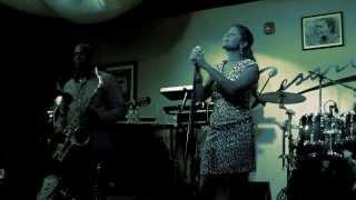 """Mi es Dod na Bo"".  Live Performance by Totinho Sax and Diva Barros"