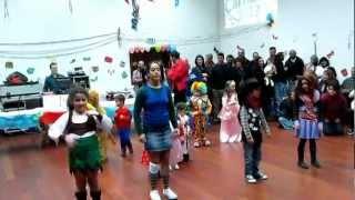 "Carnaval 2013@Corvo-Coreografia infantil ""panda vai à escola"""