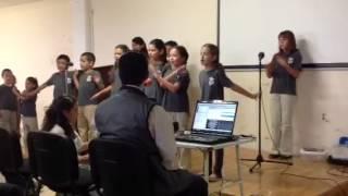 Coro de nińos Cantemos Jubilosos Daniel