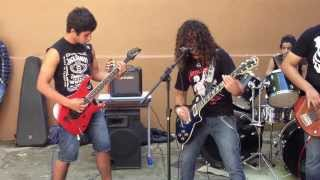 SCREAM and DIG UP HER BONES HATE CREATION COVER MISFITS (Live at dinarte ribeiro 06/03/13)
