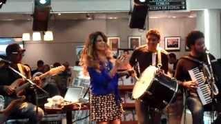 """Feira de Mangaio"" ELBA RAMALHO - FNAC BARRA - RJ 10/04/2013"