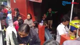 Penggeledahan Rumah Bomber Kampung Melayu di Cibangkong Bandung