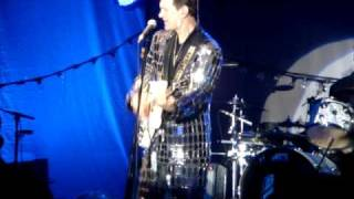 "Chris Isaak ""Blue Hotel"""