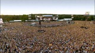 Robbie Williams - We Will Rock You ( Live at Knebworth )