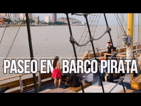 Malecón de Guayaquil desde el Barco Pirata Morgan en Ecuador