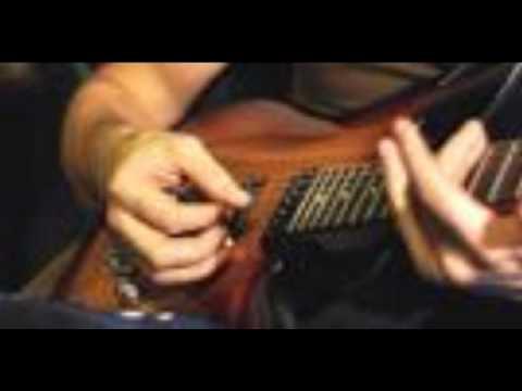 Cuando Llora Mi Guitarra de Lucha Villa Letra y Video