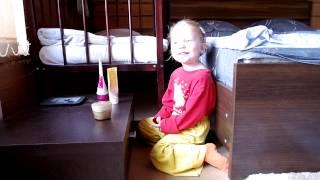 3 years old girl singing song Kamisama Hajimemashita, Onegai Opening 1, Hanae 神様はじめました  ハナエ