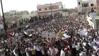 Siria - Deir Bealbe(Homs) - 14/10/2011 - Grandissima manifestazione contro il regime di Assad.mp4