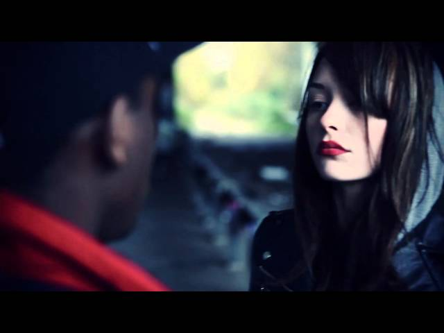 Videoclip oficial de 'Feel Good', de Modestep.