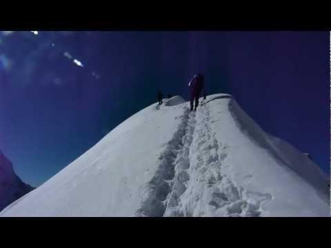 Tharpu Chuli  (Tent Peak). Annapurnas