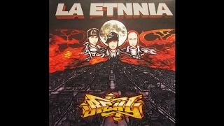 La Etnnia . 11. Kronicalles Ft Tres Coronas - Real (2004)