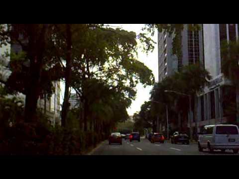 08.02.11. Por la Milla de Oro en la avenida Luis Muñoz Rivera.
