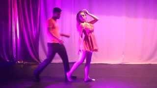 Cisne Carijó - Se ela dança eu danço 4