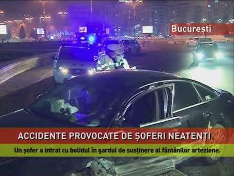 Un şofer a ramas încarcerat, după ce s-a oprit într-un stâlp